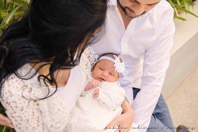 Farheen, Mihir and Bella newborn images-12