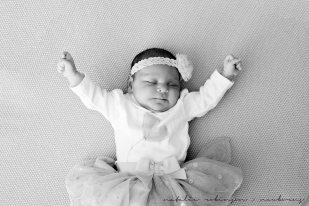 Farheen, Mihir and Bella newborn images-83