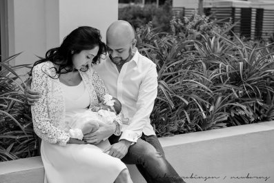 Farheen, Mihir and Bella newborn images-9