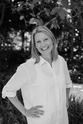 Justine Bain low res black and white images-56
