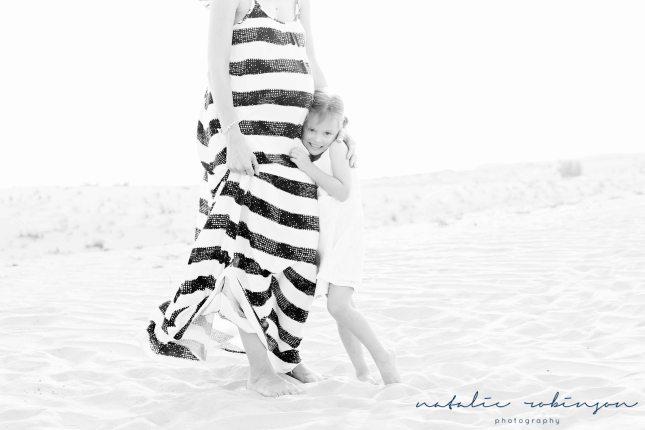 tina-luke-and-alexa-desert-images-85