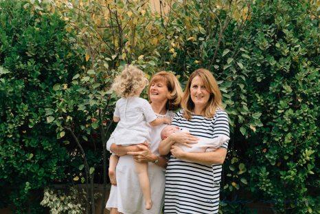 carly-alan-charlotte-and-imogen-newborn-34