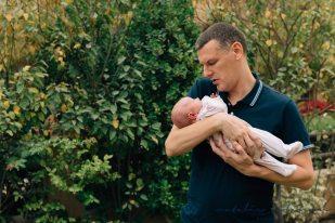 carly-alan-charlotte-and-imogen-newborn-56