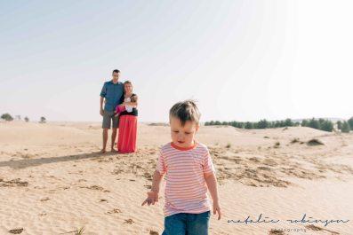 Dubai desert family shoot-228