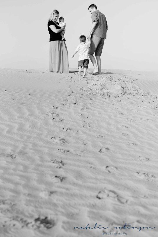 Dubai desert family shoot-9