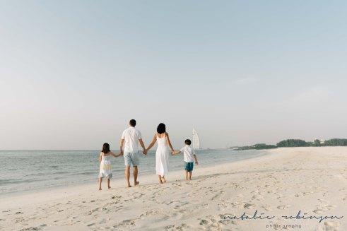 Dubai beach family photoshoot-36